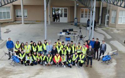 """Os obradoiros """"Fly the future"""" achegan a estudantes de secundaria as oportunidades da industria dos vehículos non tripulados"""