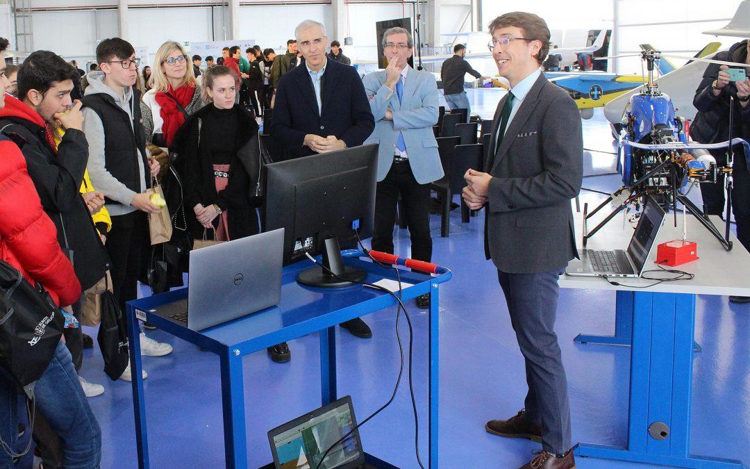 A Xunta achega o Polo Aeroespacial de Galicia a 180 mozos galegos para espertar neles as vocacións científico-tecnolóxicas